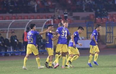 Hà Nội FC: Họ đang ngủ mê khi no nê danh hiệu?