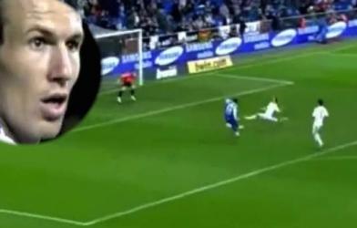 VIDEO: Khoảnh khắc bi hài của Robben trong màu áo Real Madrid