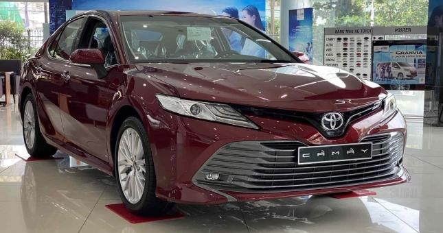 Top 3 xe sedan hạng D bán chạy nhất tháng 5/2021: Toyota Camry áp đảo